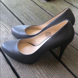 Nine West gray leather heels